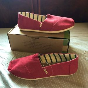 Toms Apple Red Heritage Canvas Shoes 9.5